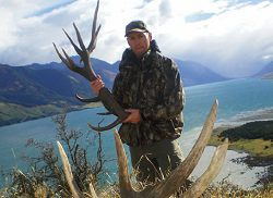 Lake Hawea Hunting Safaris: Gold Medal Shed Hunt - New Zealand hunting packages by Sunspots Safaris