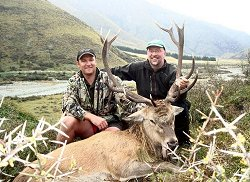 New Zealand Safaris - Free Range Red Stag and Himalayan Bull Tahr.  Click for full details regarding this package.